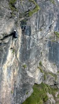 Klettern am Zweiländer-Sportklettersteig Kanzelwand